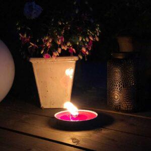 Haveblus brænder på terrasse